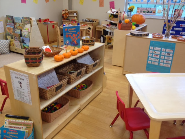 Classroom Bookshelf Ideas ~ My favorite pre k and kinder room arrangements photos
